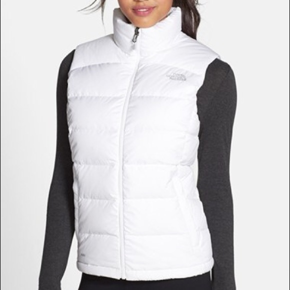 7b8b2051ee02 New North Face Nuptse 2 Vest White Women s Size M